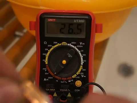 Free Energy Проверка емкости батареек тестером