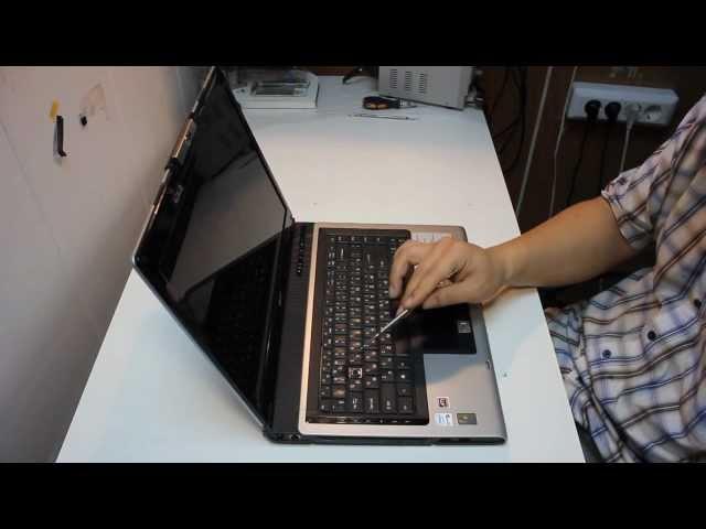 собрать и вставить крепление кнопки от клавиатуры ноутбука ...