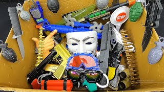 Vendetta Mask and Finger Gun! Amazing Explotions! Realistic Pistols and Rifles with Acoustic Sounds!