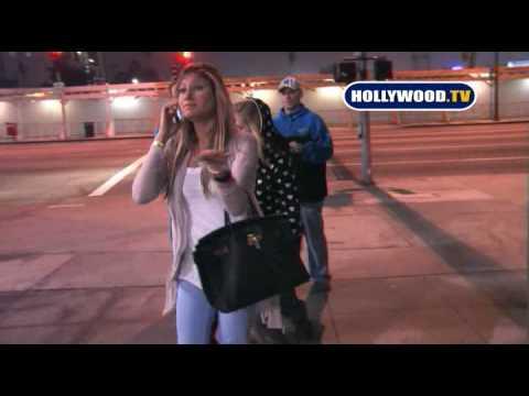 Avril Lavigne Gets Chased by Crazed Fan