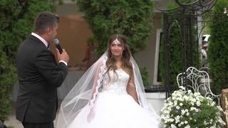 Hello beautiful bride! Father singing tohis daughter on her wedding day