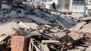 video: Eight dead and 120 injured after 6.7 magnitude earthquake destroys houses in Greece and Turkey