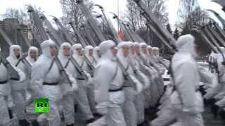 видео Город, который выжил. Архивные кадры к 70-летию снятия блокады Ленинграда
