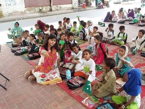 Street child school of Pakistan ! Education is the right of every Children