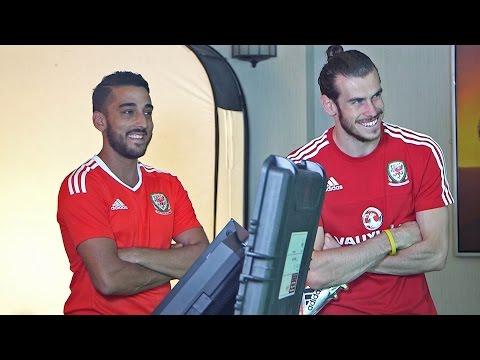 Behind the Scenes: Bale, Ramsey, Manics...