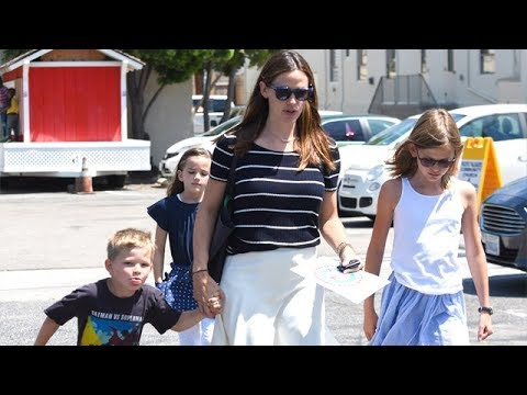 Jennifer Garner Raising Her Children, While Ben Moves On With Lindsay
