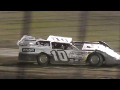 9/2/2016 RIVER CITIES SPEEDWAY Wrecks and battles to the Finishline