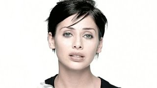 Watch Natalie Imbruglia Smoke video