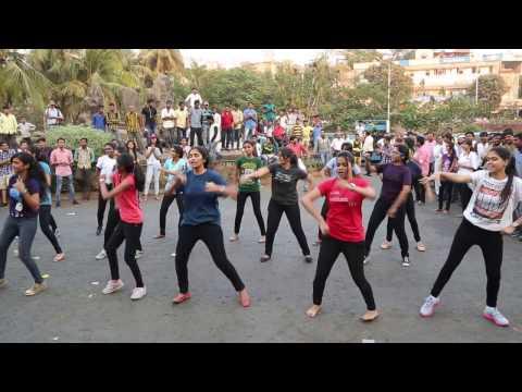 Dr. D.Y.Patil College of Law presents VELAWCITY 2015, Flash Mob Nerul.