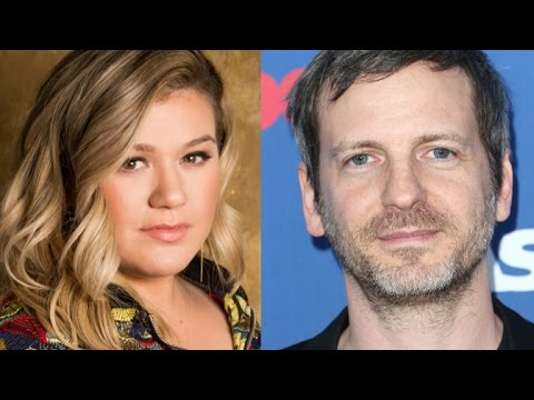 Kelly Clarkson Clarifies Her 'Blackmail' Comment About Dr. Luke