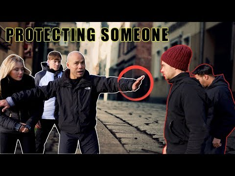 How to defend ourselves while protecting someone else | Street Fight