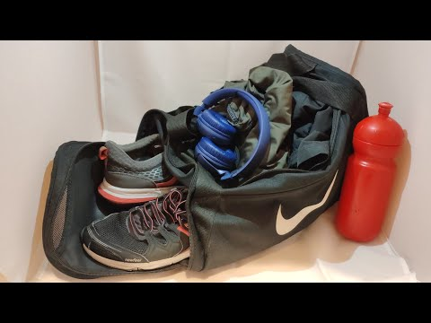 8204f649e3c41 Torba sportowa NIKE Brasilia 24L na siłownię. Nike bag for gym goers ...