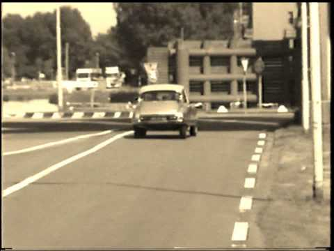 Citroen DS21 ie starring in 'a road movie'