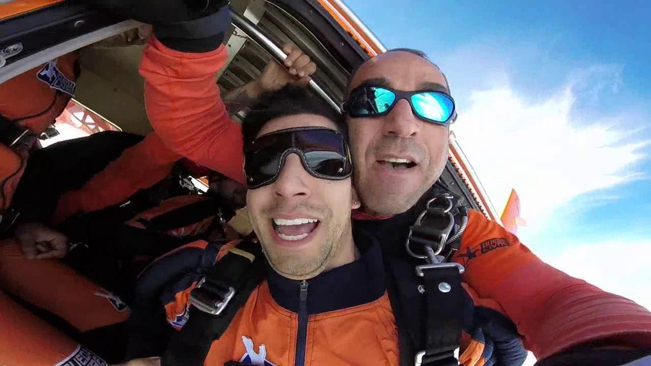 Salto de Paraquedas do Gilberto na Queda Livre Paraquedismo 29 01 2017