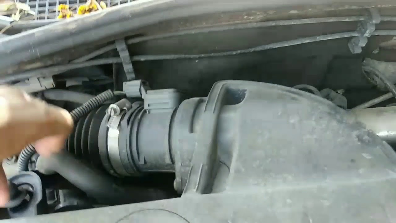 DTC TROUBLE CODE DF569 Renault Duster car check light issue
