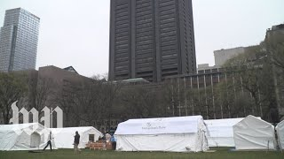 As coronavirus overwhelms New York, a makeshift hospital is built in Central Park