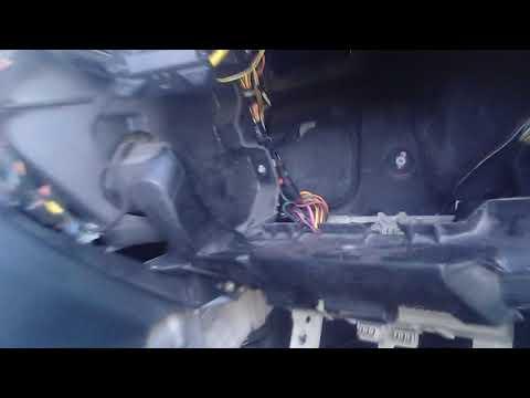 замена мотора печки мазда 3 часть 1