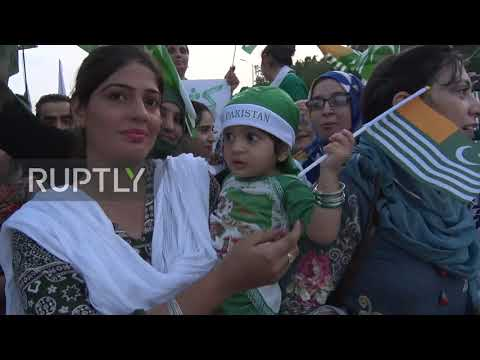 Pakistan: Thousands voice support to Kashmir at Independence Day rally
