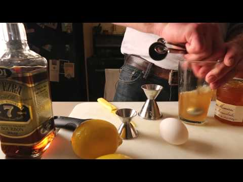 How to Make a Whiskey Sour with Marmalade