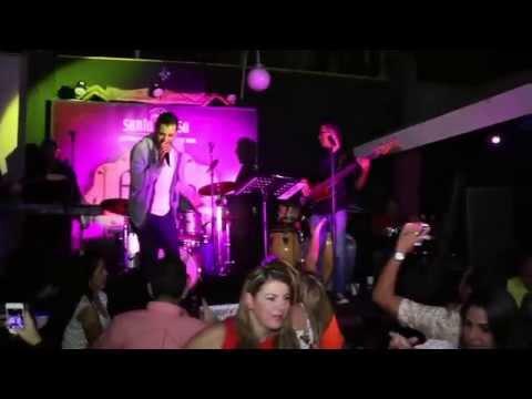 Victor Muñoz en Karaoke