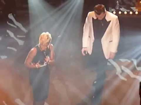 Watch Mary J  Blige Duet With Sam Smith for 'Stay With Me