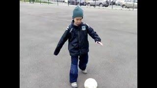Обучение футбольным финтам.  Финты Роналдо и Зидана. Финт перед вратарём.