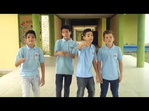 Fuera de control fdc amor de colegio video oficial youtube for Fuera de control dmax