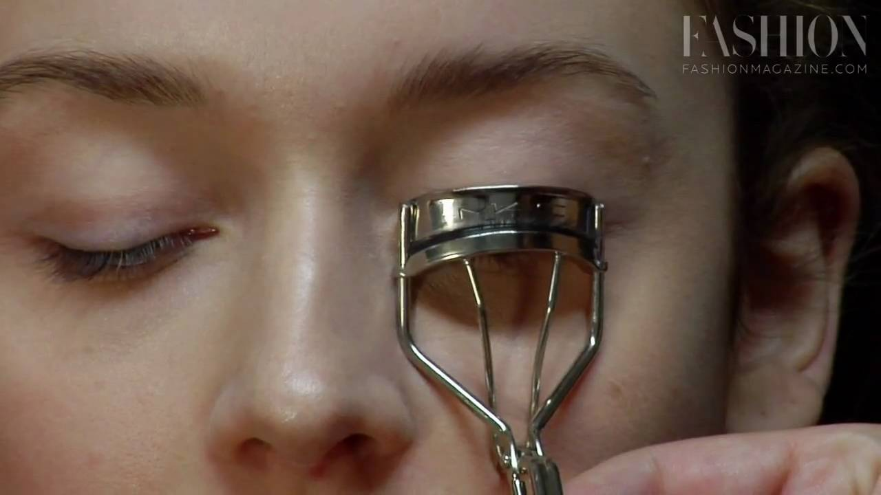 Beauty 101 Using An Eyelash Curler Youtube