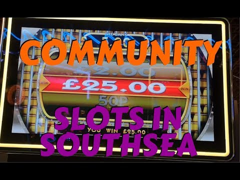 ARCADE SESSION WITH COMMUNITY ACTION (Fruit Machines)