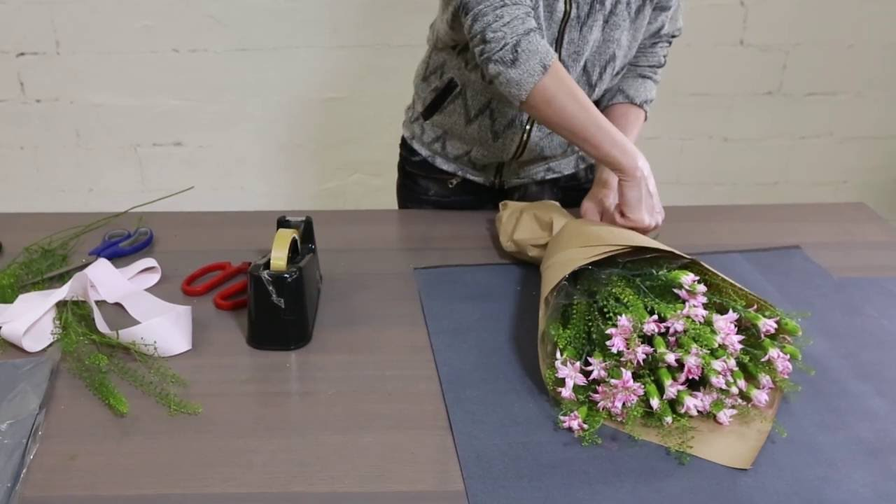 How To Make A Japanese Carnation Bouquet Youtube