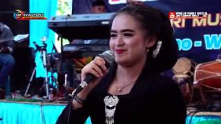 Download lagu TRESNAKU KEPENGGAK ETUNGAN JOWO (cover) DEWI LARASATI - NEW LARASATI MUSIK TRENDY - Live Perform