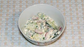 Летний легкий салат с редисом яйцом и огурцом