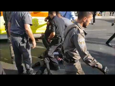 Israeli Police Violently Beat Unarmed Chareidi Protesters Who Closed Street At Protest