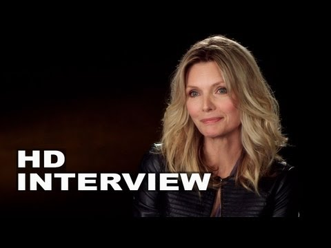 """The Family: Michelle Pfeiffer """"Maggie Blake"""" On Set Interview"""