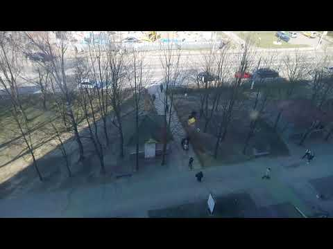 новояворівськ 10 чоловік роблять маленький паркан