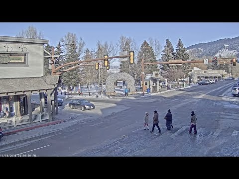 Jackson Hole Wyoming USA Town Square Live Cam - SeeJH