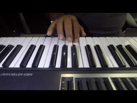 How to play Aa chal ke tujhe on keyboard