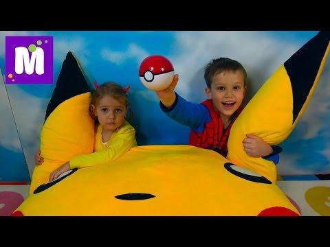 Ловим Покемон Go! Челлендж на машинах / Мальчики против девочек  /Игрушки Pokemon из МакДональдс