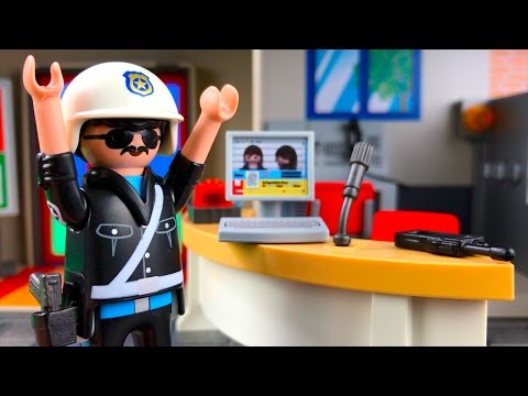 Bad Guy Escapes From The Playmobil Police Station