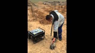 видео Укладка и уплотнение бетонной смеси | Строительный справочник | материалы - конструкции - технологии