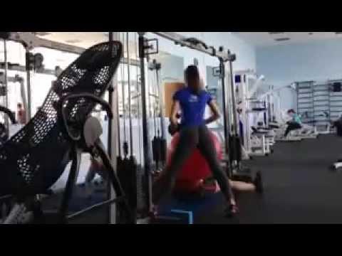 Скрытая камера в спортзале у девочек