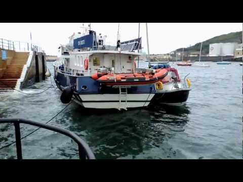 Dodgy mooring in Douglas harbour.wmv