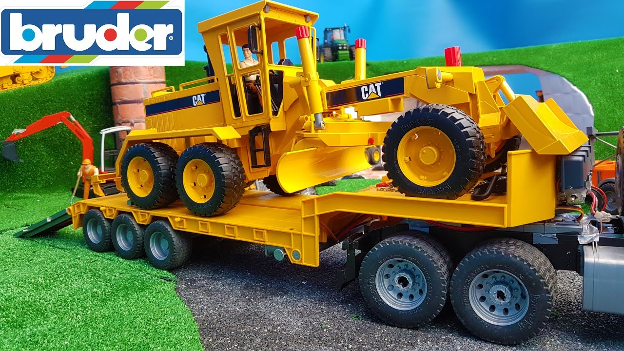 Bruder Construction Toys : Bruder toys truck construction grader delivery youtube
