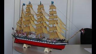 В Запорожье открылась уникальная выставка макетов кораблей Геннадия Елефтариади