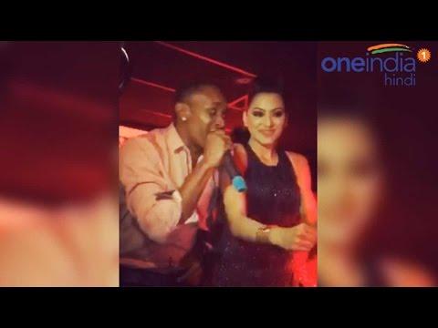 Dwayne Bravo dancing with Urvashi Rautela, video goes viral thumbnail