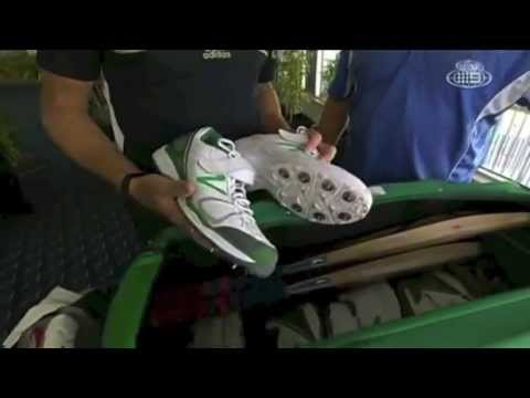 Dale Steyn's Kit Bag - The Cricket Show 2012-13