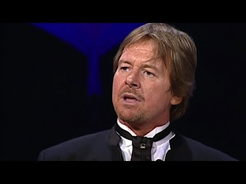 WWE legend Roddy Piper passes away