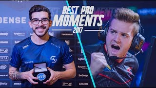 Video CS:GO - BEST PRO MOMENTS! 2017 (Flickshots, Crazy Clutches, Inhuman Reactions, ACEs, Best Frags) download MP3, 3GP, MP4, WEBM, AVI, FLV Januari 2018