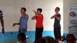 #M-YES/ICYMachinery: Kumbe wazungu wanaweza ODI DANCE