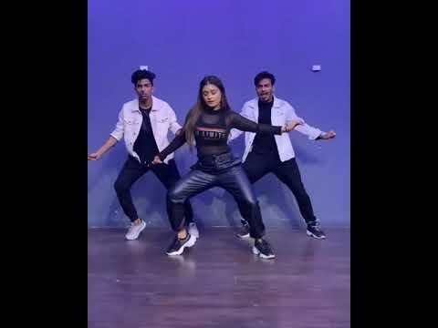 Oh madam kajal vali muze na samaj mawali song - Beautiful dance by Indias no 1 dancers
